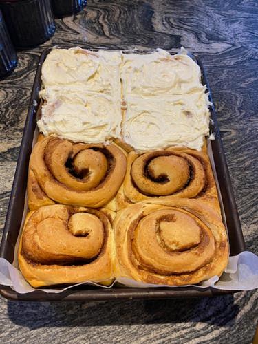 4 Traders Famous Fresh-Baked Cinnamon Bun
