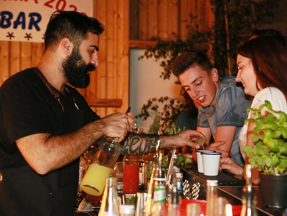BARTHUR Barcatering | Sommerfest Kocherplastik / HOLOPACK