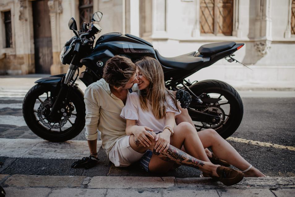 Paarshooting mit Motorrad im Herzen von Palma de Mallorca