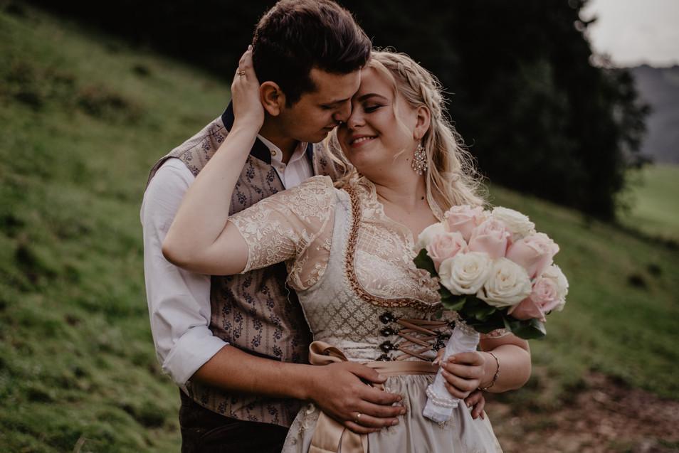 Isabelle & Aziz - Idyllische Hochzeit in den Bergen