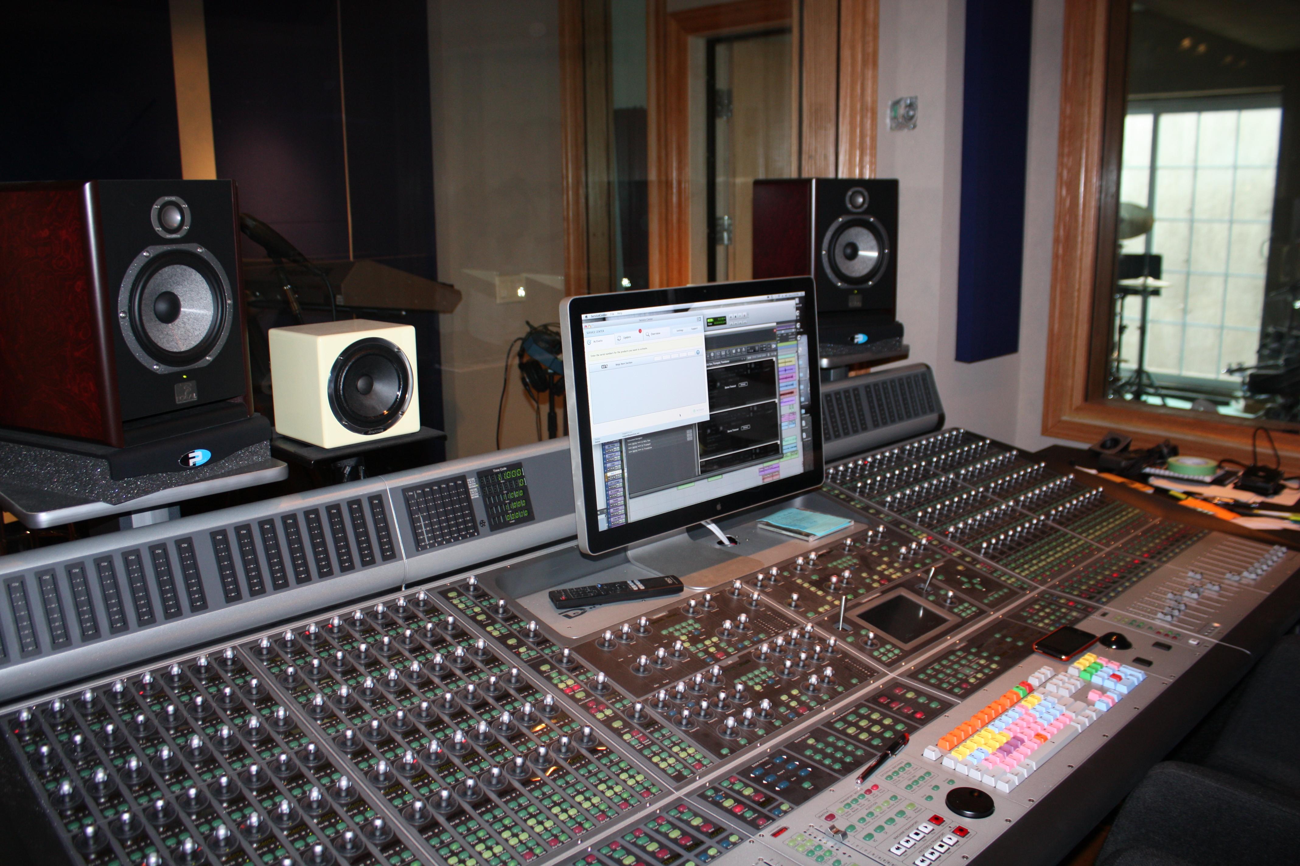 Lyn Liechty - Home Studio