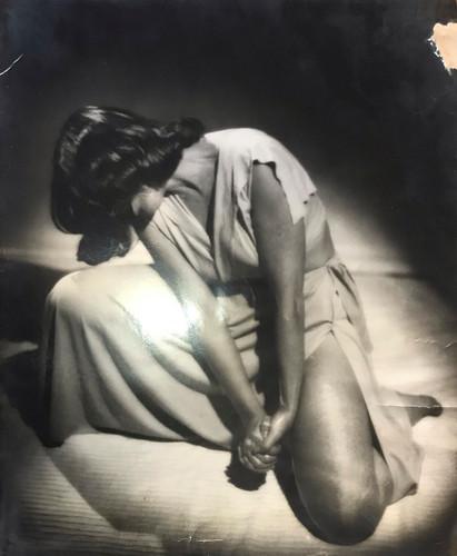 Photograph of Julia Levien performing at Carnegie Hall, circa 1940