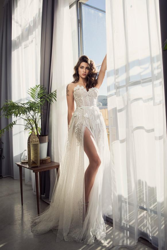 שמלת כלה מחוך וטול