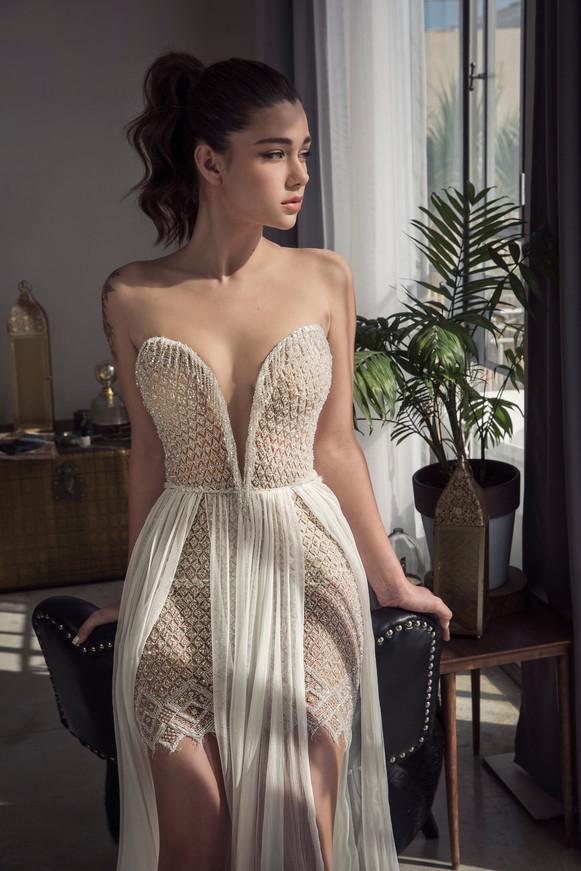 שמלת כלה חרוזים מחשוף פתוח
