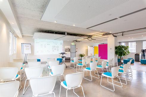 Organisation  de réceptions Traiteur Paris: Fooding Solutions location de salles de réunion, Organisation de séminaires à Paris, Organisation de soirées d'entreprise Paris, Organisation de réunions à Paris.