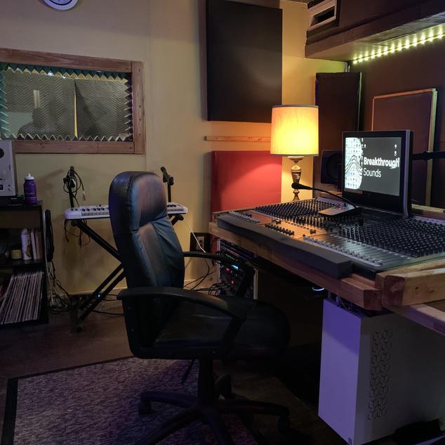 Breakthrough Sounds Recording Studio  2