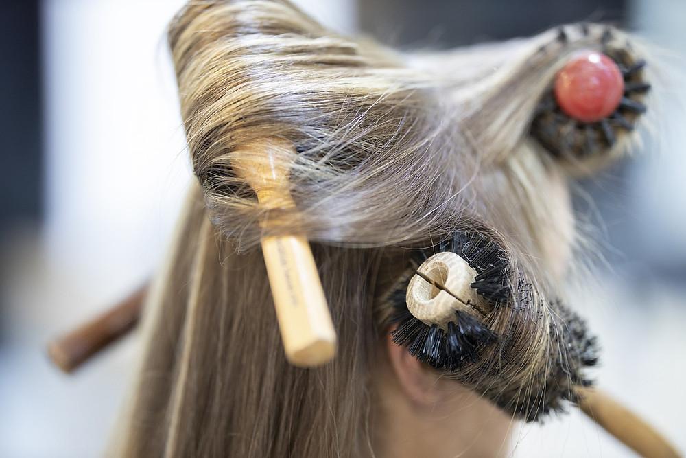 styling hair boar bristle brush blonde blog