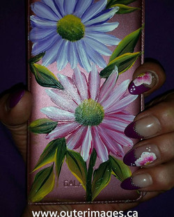 Here's a pic of my cel case painted over a month ago and still looking great 😉 well my nails ..