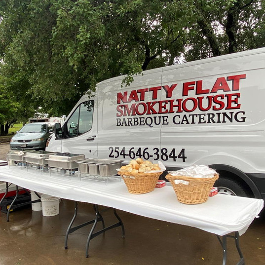 Catering - Wedding - Tables and Van Toge