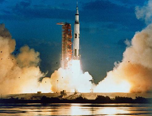 Saturn V launch.jpg