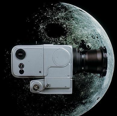 Hasselblad_mooncamera.jpg