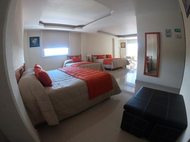 Suite-Triple-GOPR1389.JPG
