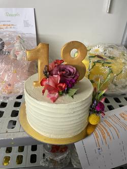 Torte mit Zahl & Blumen