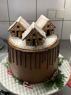 Gingerbread House Torte