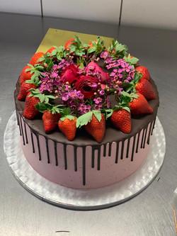Flower & Strawberry Cake