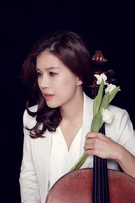 Cello Choi Jung Ju.jpg