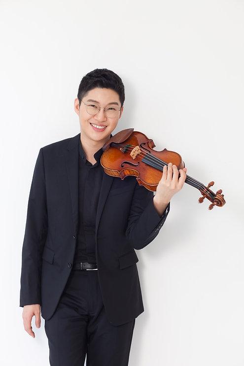 Violin Kim Duk Woojpg.jpg