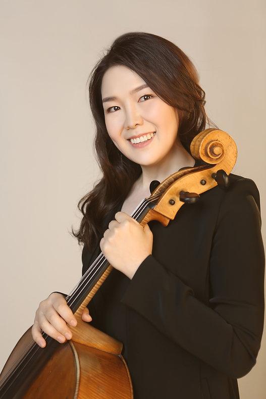 Cello kim yun jin .jpg