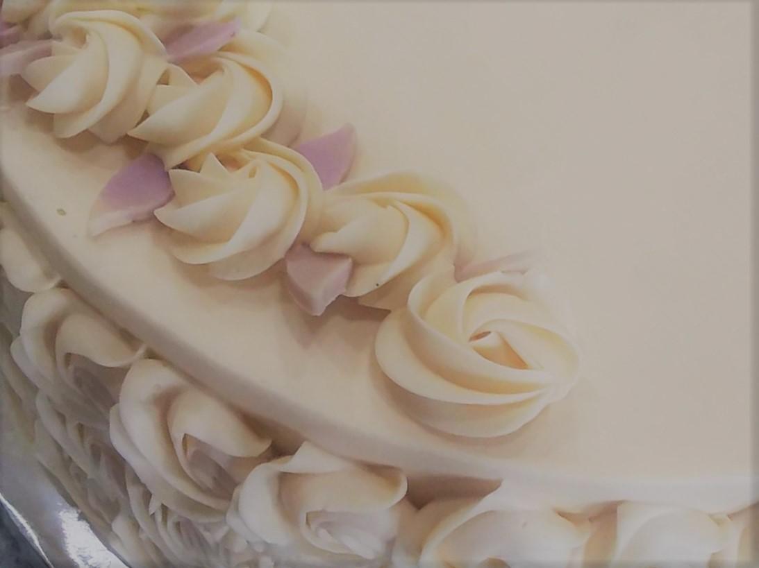 Baby Roses Wedding Cake