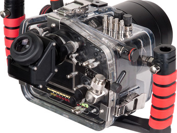 Ikelite Unvils Magnified Viewfinders for DSLR and MIL Housings