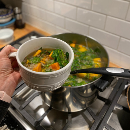 Greek Spinach and Lentil with Lemon Soup