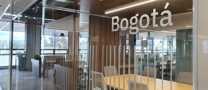 IBM abre en Colombia el mayor centro de transformación de procesos con inteligencia artificial de la