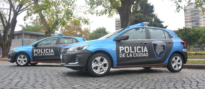 General Motors entregó 10 unidades para el traslado de la policía capitalina en la prevención durant