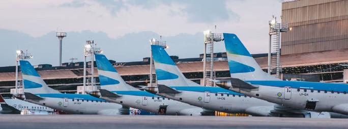 Aerolíneas Argentinas suspenderá al menos por dos meses a 7.500 empleados