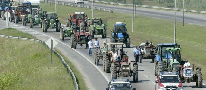 Tractorazo: Crece el descontento del campo