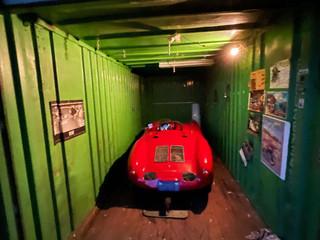 Encontraron un exclusivo Porsche de 1955 que llevaba 35 años guardado en un contenedor