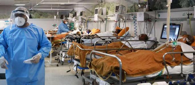 Por qué mueren menores de 59 años por coronavirus en Brasil
