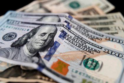 Dólar: cómo afectan las nuevas restricciones a los pagos de servicios de streaming y apps