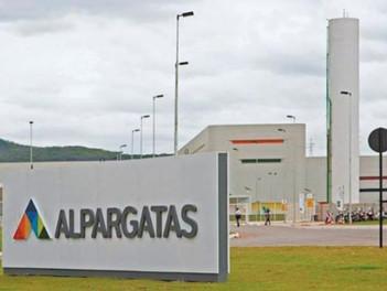 Alpargatas vendió el 100% de Topper