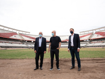 """Rodríguez Larreta en el Club Atlético River Plate: """"Hay que cuidarse más que nunca"""""""