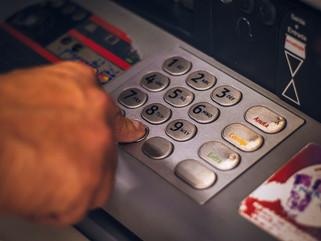 Cómo evitar el robo de datos en los cajeros automáticos