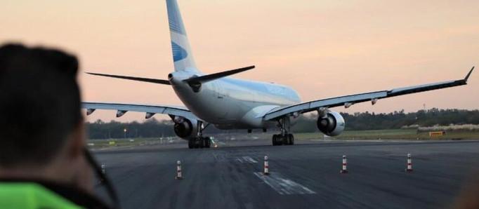 Buscan que los vuelos de cabotaje regresen el 19 de octubre: cuáles serán las restricciones