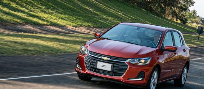 Chevrolet inicia la comercialización del Nuevo Onix Premier con motor Turbo en Argentina