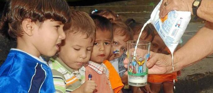 El Gobierno deja vigente la decisión de Macri de eliminar al IVA a la leche