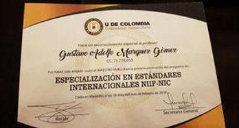 Un Profesional Oficial que marca la diferencia en la excelencia de su servicio.