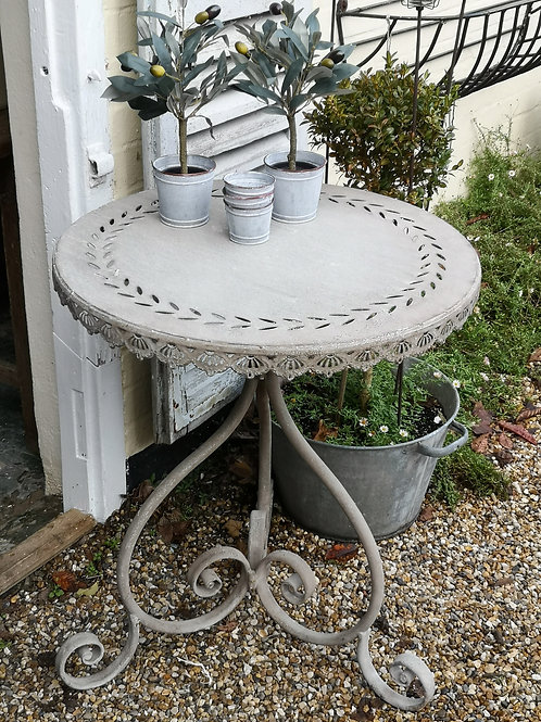 Casa Verde Round Table Catalina Antique Grey