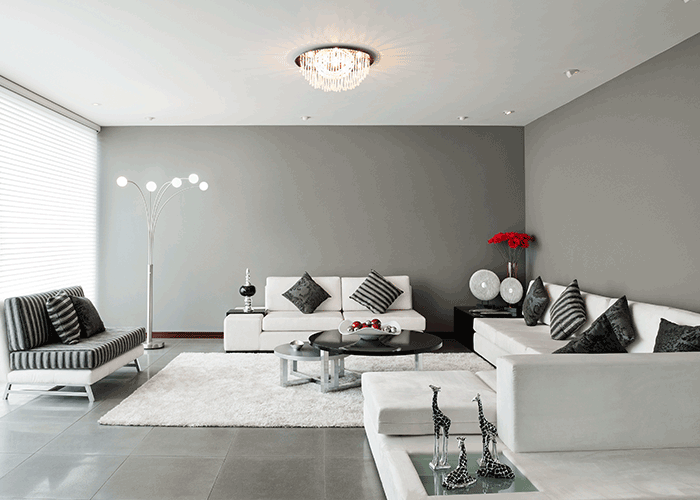LUXURIOUS LIVING & DINING AREA