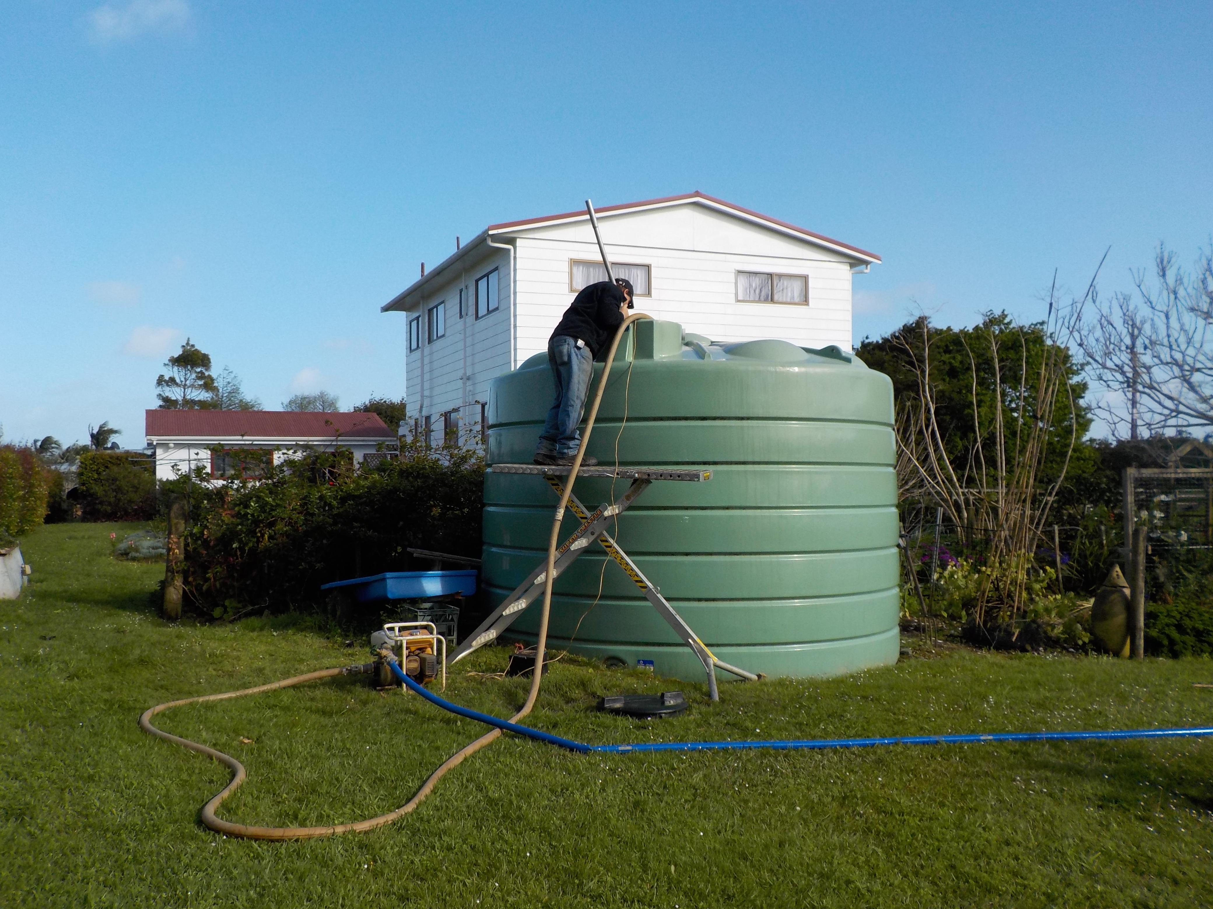 Ben & Leo vac clean water tank-2.10.17