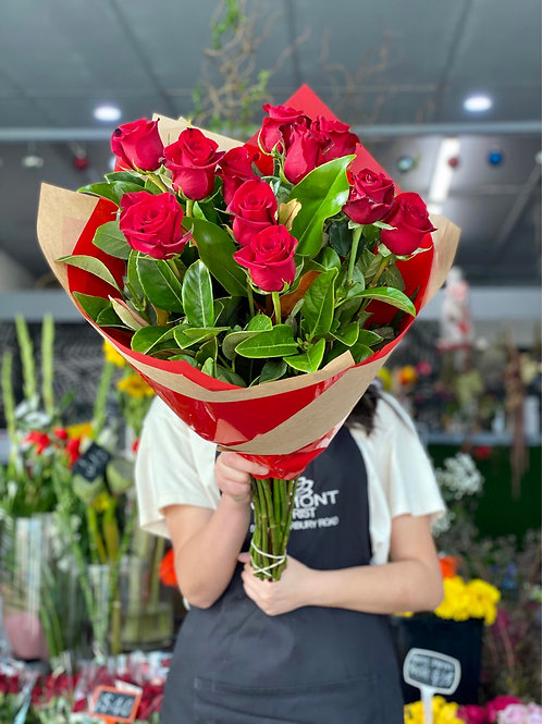 Dozen long stem red rose with greens( classic bouquet)