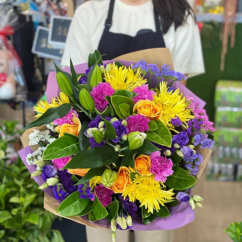 Bright colour cheerful big bouquet (designer choice)