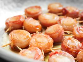 bacon wrapped scallops.jpg