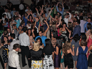 3 Industry Secrets to Having a Packed Dance Floor at Your Wedding