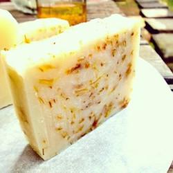初めての石鹸_2009年頃__#カレンデュラ #手作り石鹸 #アロマ #精油 #ラベンダー #calendulaoil #soap #handmade #aroma #lavender