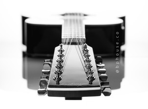 guitarra_by_bphouse_bn-5175_bn.jpg