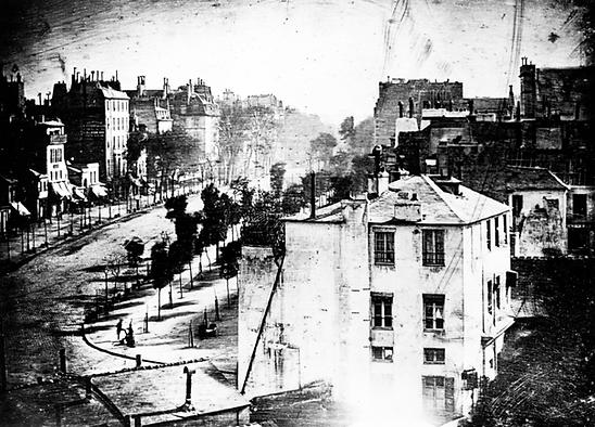 Figura 6. Boulevard du Temple (1938) de Luois Daguerre.png