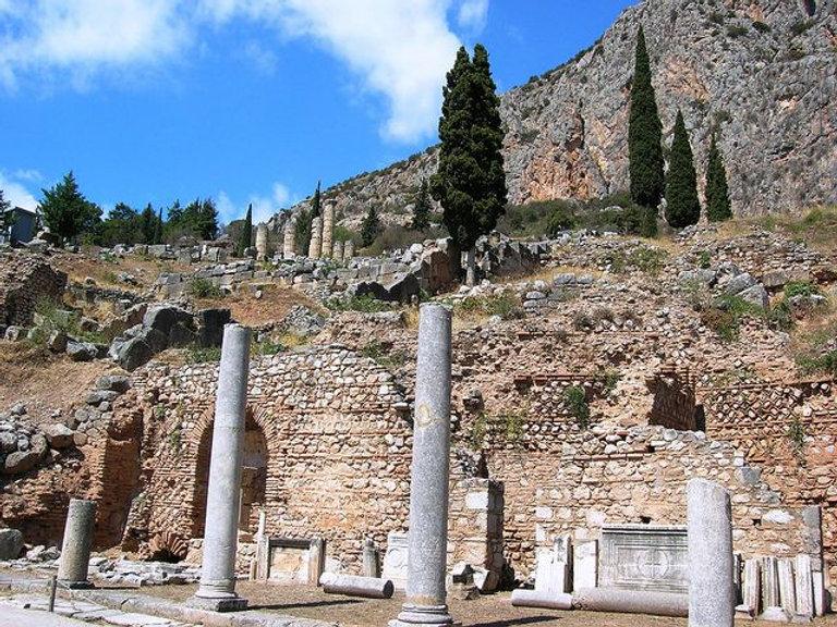 Greek-city-of-Thebes-by-olderock.jpg
